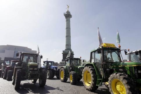 tracteursparis.jpg