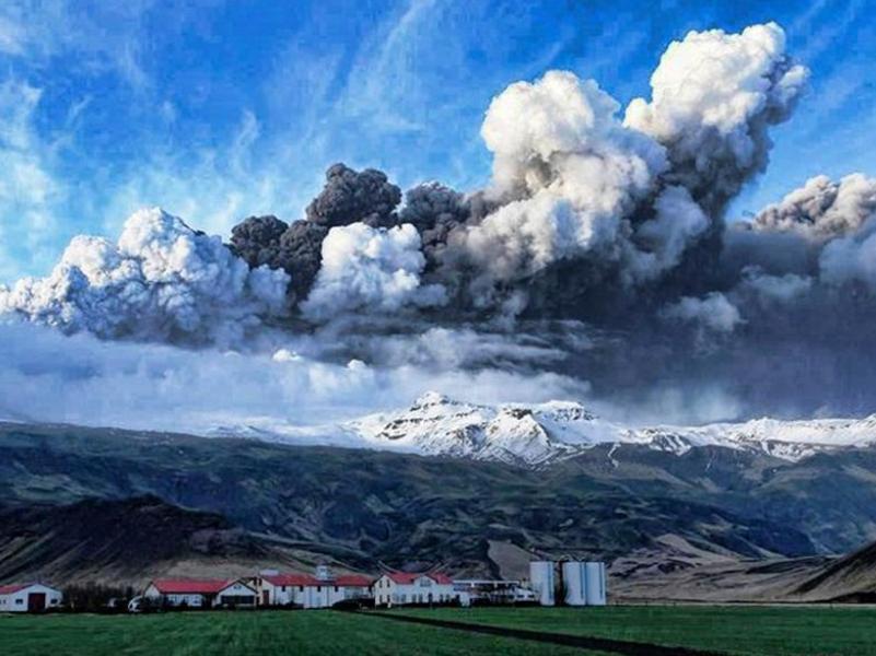 volcanisland01.jpg