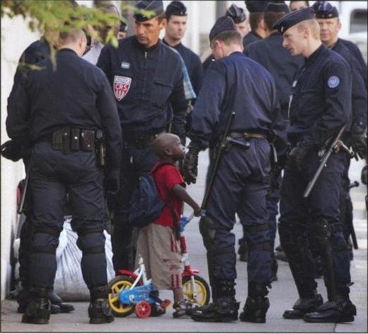 policepartoutjusticenullepart.jpg